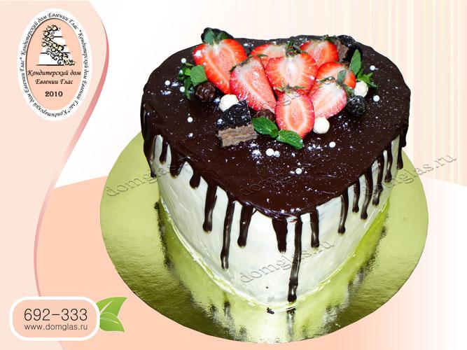 торт безмастичный шоколад фрукты клубника