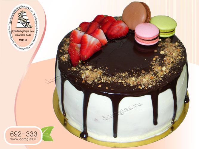 торт бесмастичный шоколад клубника макаронс