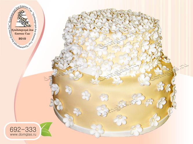 торт женский двухъярусный в мелких цветках