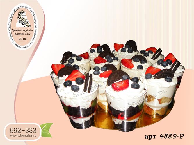 р десерт в стаканчике орео клубника голубика