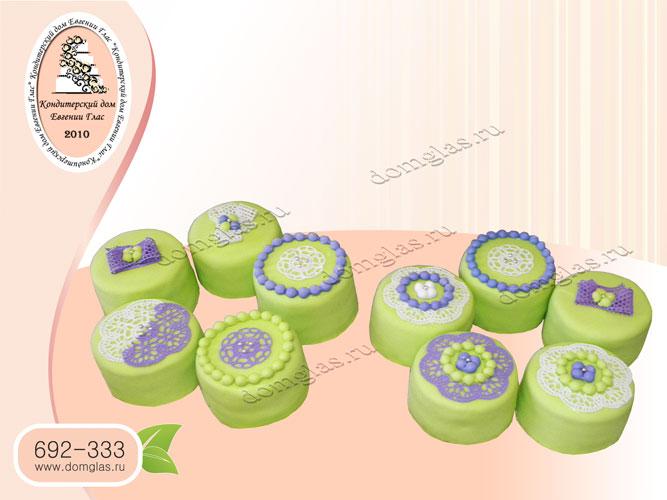 капкейки зеленый фиолетовый кружево