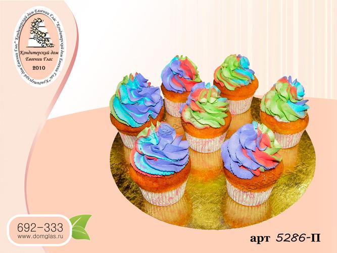 п капкейки разноцветный радужный крем