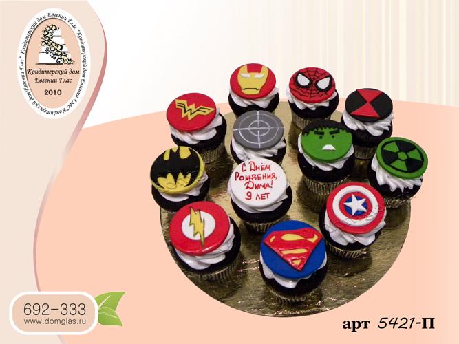 пирожные капкейки значки супер героев