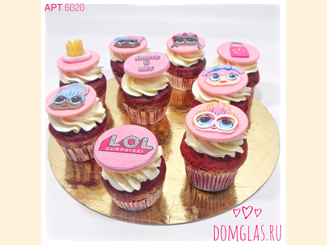 пирожные капкейки с куклами LOL ко дню рождения