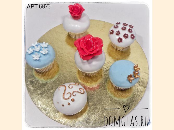 пирожные капкейки с розами, цветами