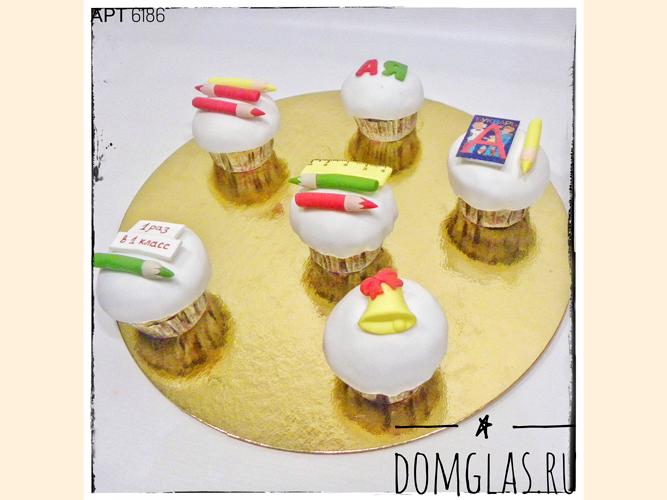 пирожные капкейки для школы с фигурками