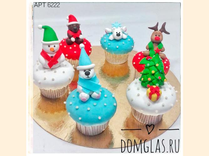 пирожные капкейки новогодние с 3D фигурками