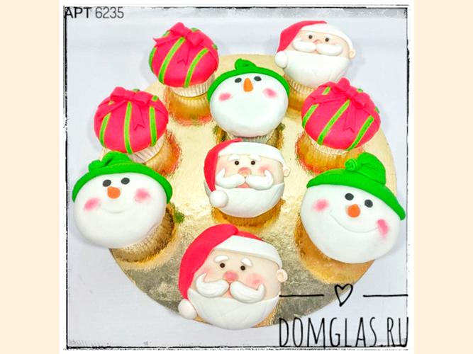 пирожные капкейки новогодние снеговики и дед мороз