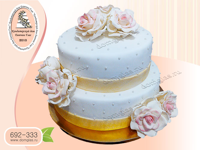 торт свадебный булый белые розы цветы