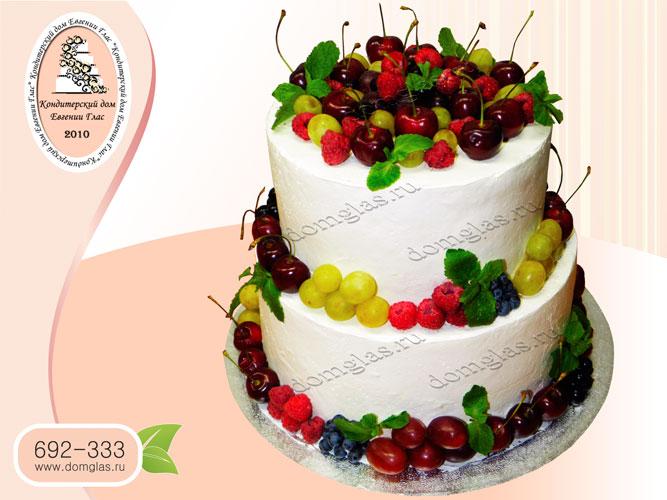 торт свадебный безмастичный с ягодами двухярусный