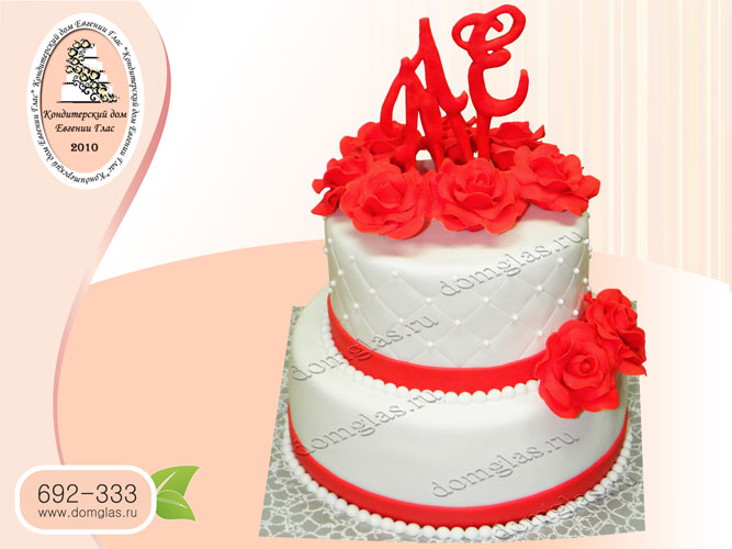 торт свадебный двухъярусный бело красный