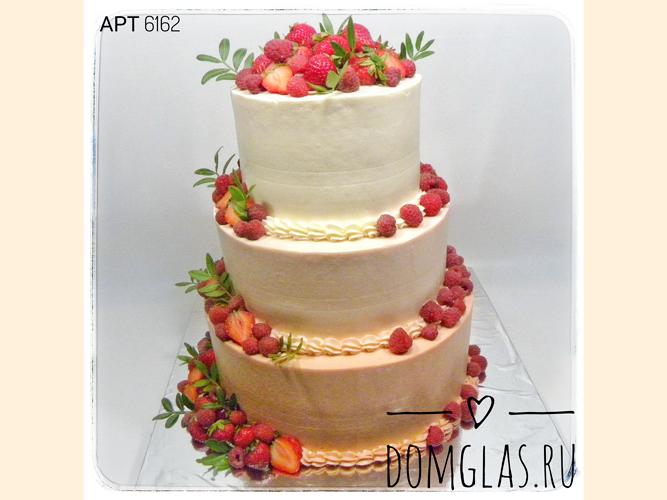 свадебный трехъярусный с ягодами