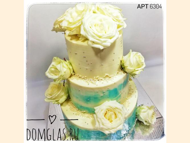 свадебный трехъярусный с белыми розами