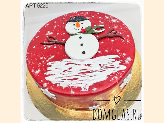 тематический новогодний снеговик на красном фоне