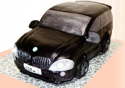 Торт машина с горящими фарами
